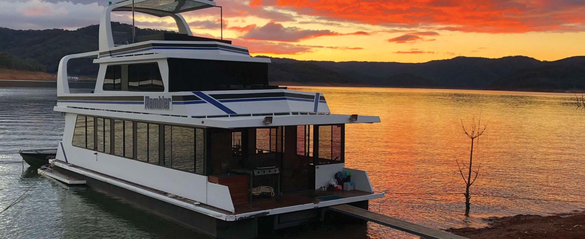 lake eildon houseboat hire